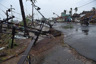 法尼強襲 災區通訊電力中斷