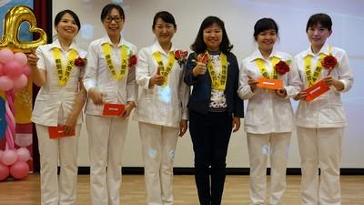 黃敏惠表揚優良資深護理人員