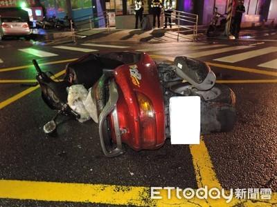 女駕駛衝撞 騎士上半身重傷
