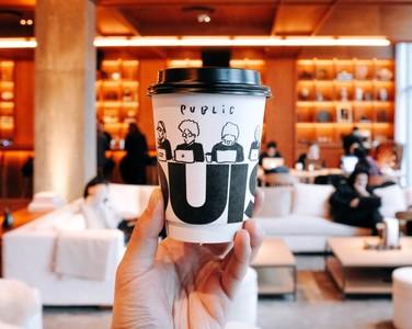 設計師畫下112個咖啡師認真瞬間