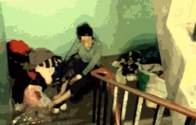 72歲老婦獨睡樓梯間 女兒被肉搜喊冤