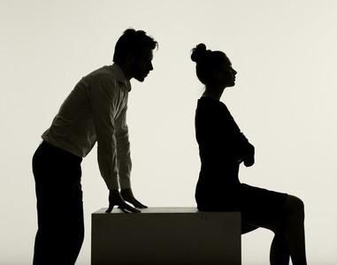 男精神出軌狂追新歡  女業務神回脫罪