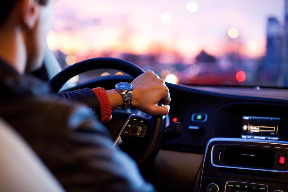▲▼開車。(示意圖/取自免費圖庫Pixabay)