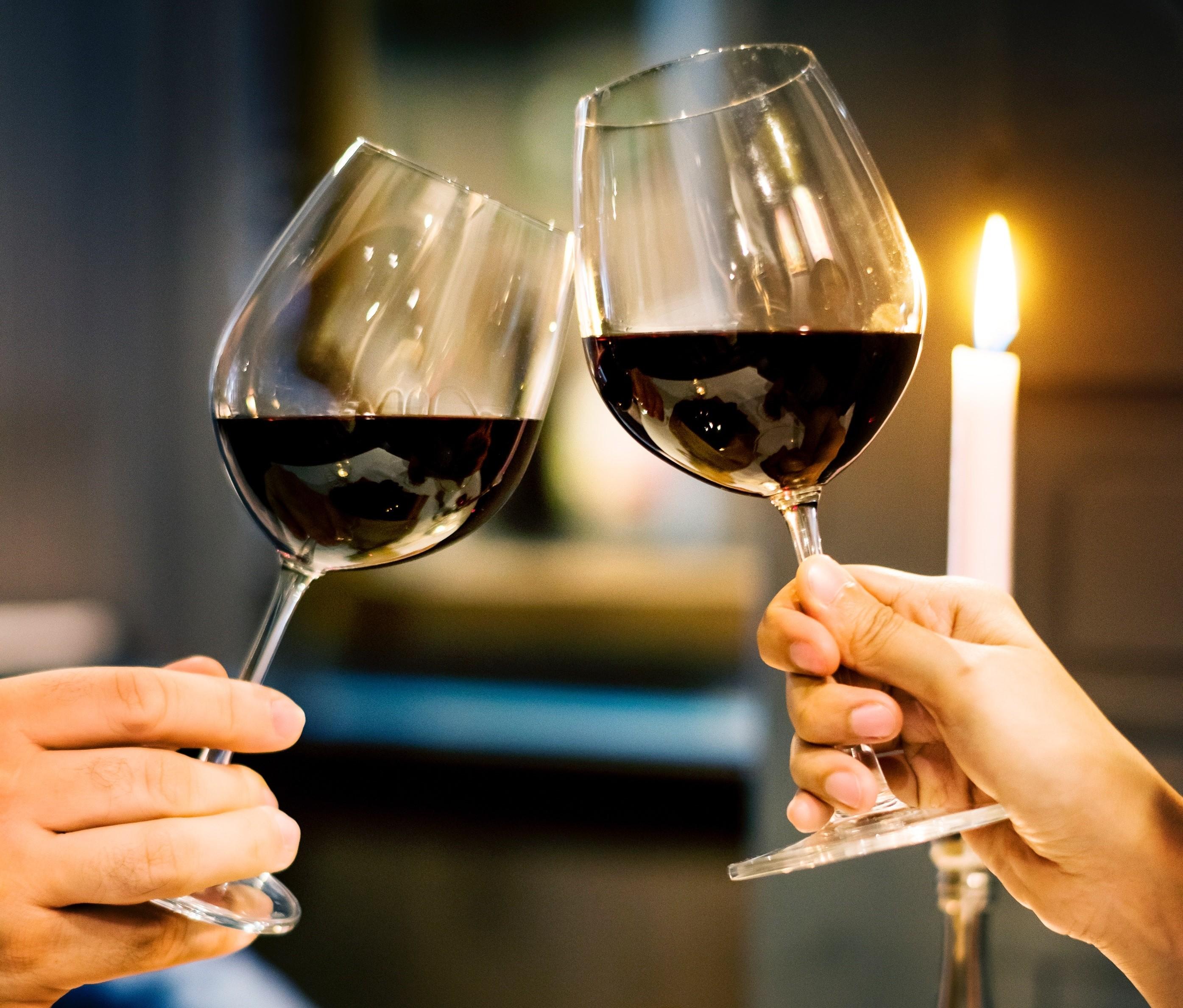 ▲紅酒,乾杯,約會,情侶。(圖/取自免費圖庫Pexels)