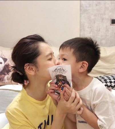 ▲兒子Dalton送徐若瑄的母親節禮物。(圖/翻攝自徐若瑄IG)