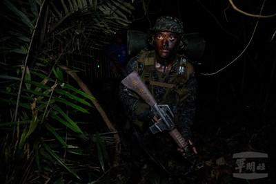 兩棲偵搜克難週夜晚山地縱走