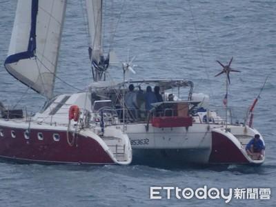 法籍帆船「花5年環遊世界」淡水港迷航
