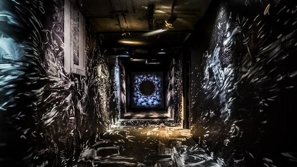 ▲▼台灣新媒體藝術家黃心健與美國前衛音樂教母Laurie Anderson的VR系列作品在坎城影展導演雙週盛大開幕。(圖/故事巢提供)