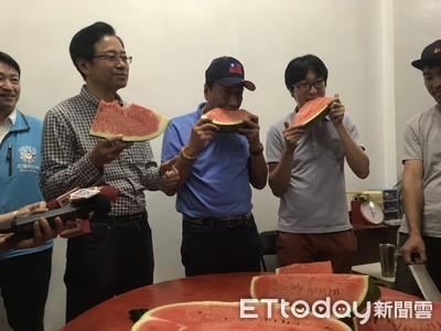 郭台銘、張善政花蓮同框 「無人機種西瓜」小農家作客