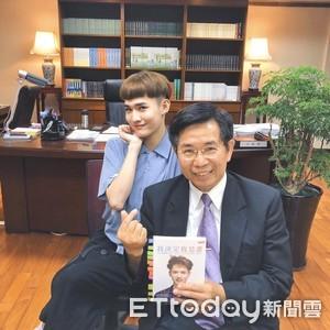 鍾明軒與潘文忠聊性平  教他這樣看待酸民