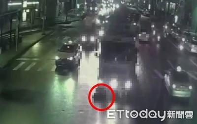 大貨車將婦人輾過並拖行5公尺 她骨肉分離慘死
