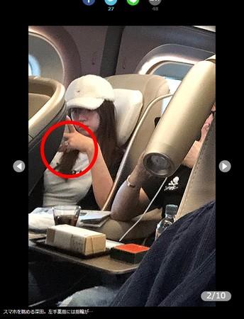 ▲▼深田恭子和杉本宏之搭新干线头等车厢,左手戴戒指疑似被套牢啦。 (图/翻摄自日网/女性SEVEN)
