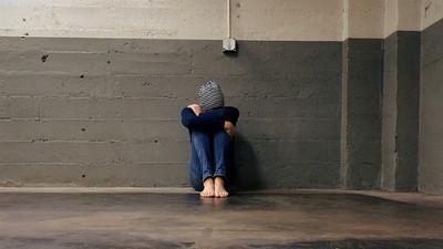學習障礙「被導師霸凌、親爸當她不存在」 小五女生罹選擇緘默「不敢面對人群」
