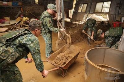 140名國軍協助新竹清淤災情復原
