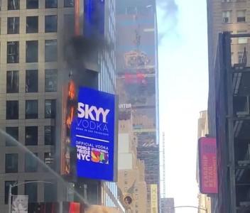 紐約時代廣場招牌失火 畫面曝光
