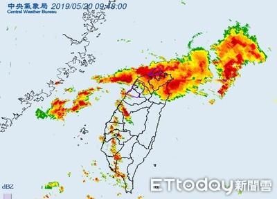 鋒面由北往南移動!三芝時雨量創紀錄