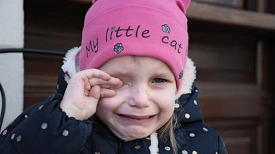 小孩用哭來溝通! 「兇他不准哭」治療師:只會養成無理取鬧
