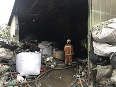 桃園青埔週邊 資源回收廠大火