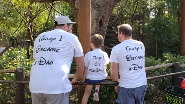 我們當父親了!兩位爸爸放棄找代孕 收養受虐男孩翻轉他的一生