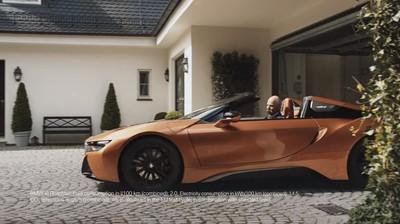 賓士回應BMW的退休致意廣告