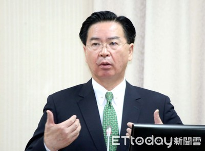 吳釗燮親發文挺香港!外交部:堅定支持港人追求自由民主