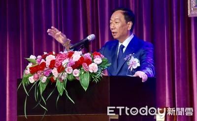 郭台銘自稱「戰鬥雞」 駁斥指揮楊秋興抹黑韓國瑜