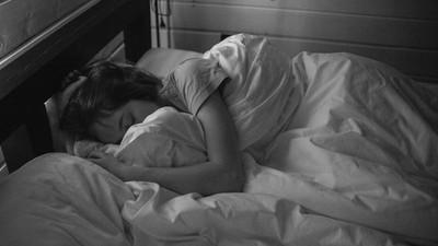 冬天都醒不來!早睡晚起卻黑眼圈重 太子爺:身體裡的「祂」需要冬眠