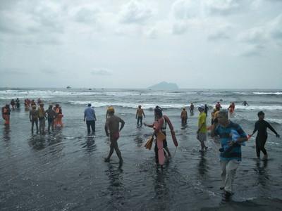 宜蘭海上長泳意外 女泳客清晨不治