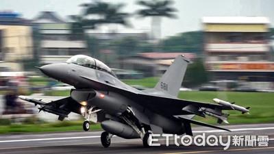 F-16試射魚叉飛彈命中靶艦 對海戰術成功