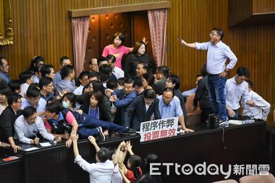 台灣經濟低成長率 怪罪藍綠惡鬥?