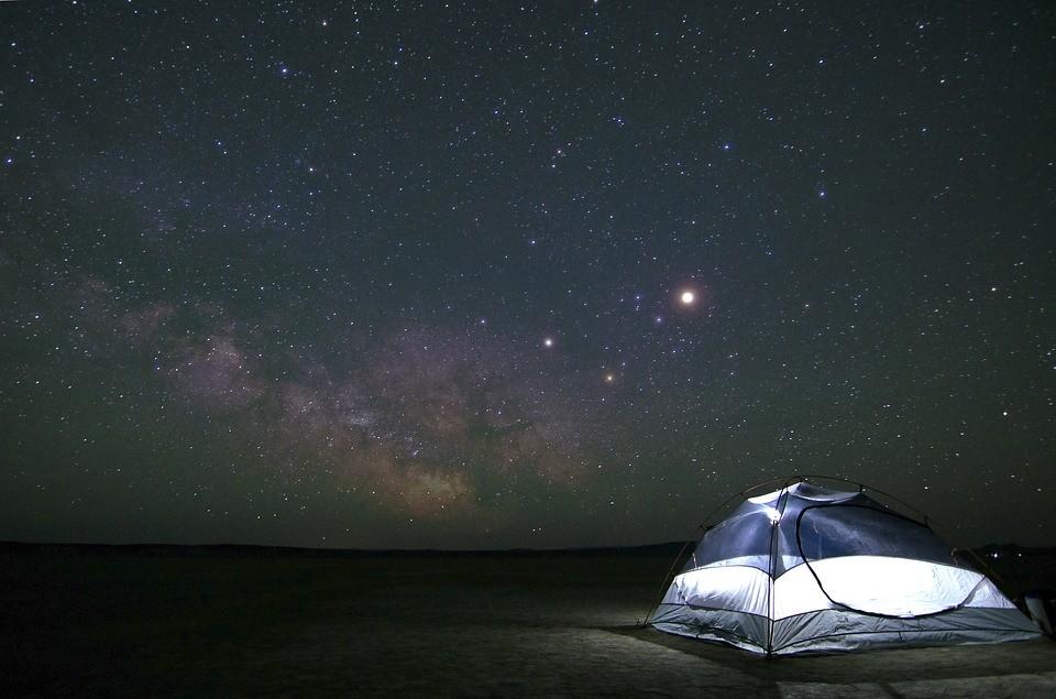 ▲▼露營。(圖/取自免費圖庫Pixabay)