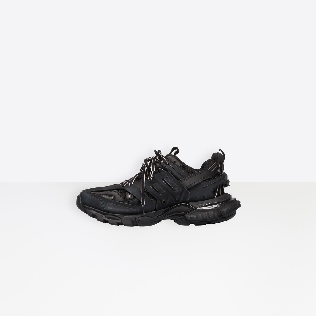 ▲Balenciaga。(圖/翻攝自Balenciaga、Sneakernews)