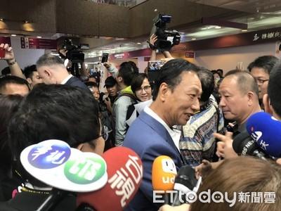 替韓國瑜反擊柯P 郭台銘:當市長就不是庶民