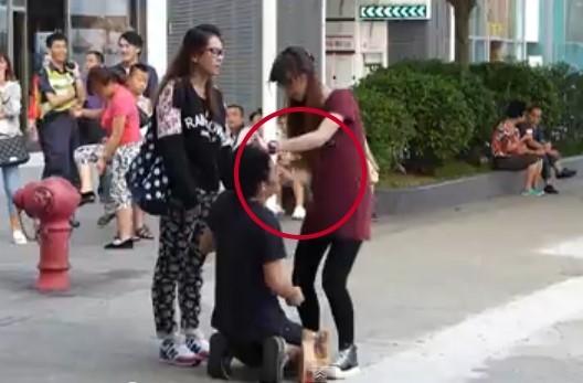 「14巴港女」郑欣娜出庭 又把男友骂哭了