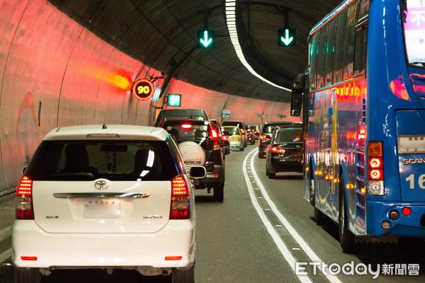 ▲雪山隧道,高速公路,交通管制,宜蘭,塞車,國道五號(圖/記者季相儒攝)