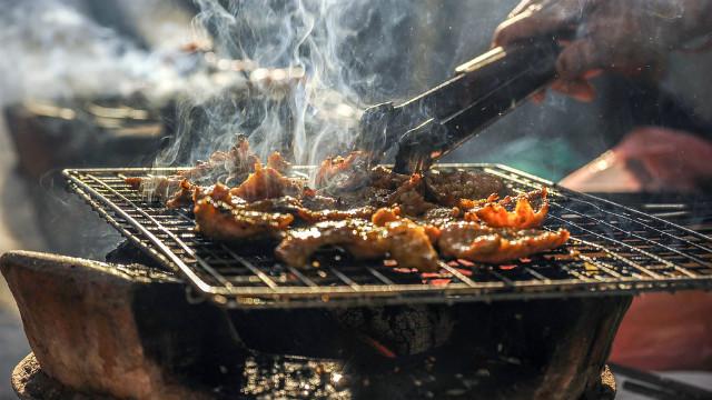 ▲▼烤肉,濃煙。(圖/取自免費圖庫pixabay)