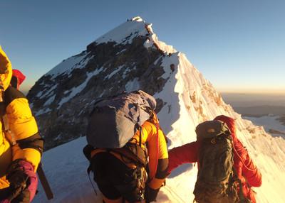 8登山客喜馬拉雅山失踪 5人已死