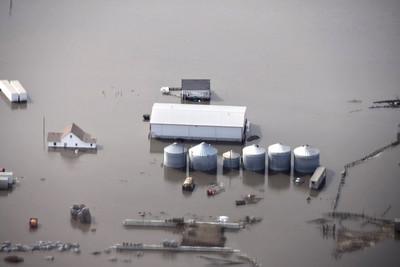 美國中部「半個月泡暴雨中」 8州災情慘