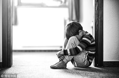 無知大媽辱「神經病」 自閉童搭車默默掉淚