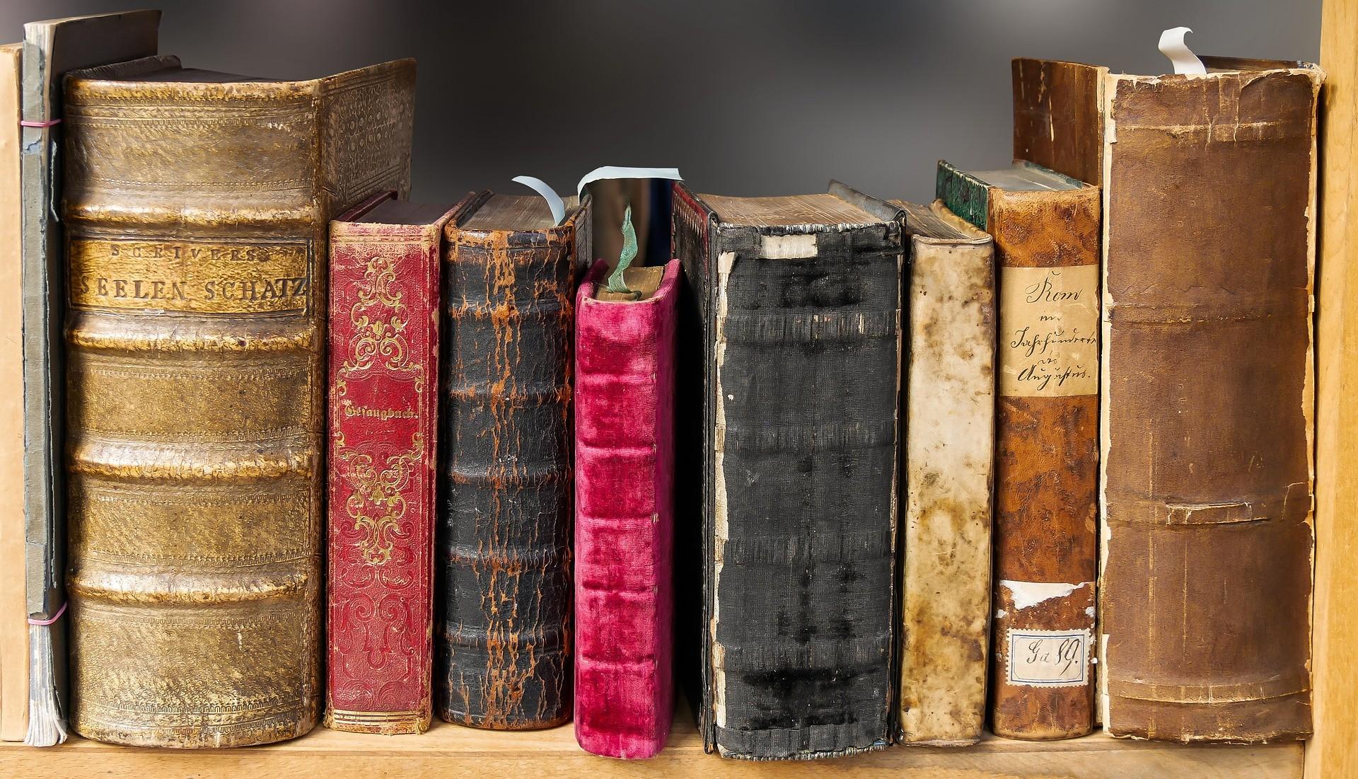 ▲書,舊書,翻頁(圖/取自免費圖庫Pixabay)