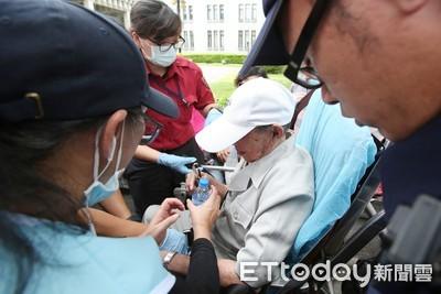 韓國瑜造勢擠爆!1民眾「身體不適」送醫