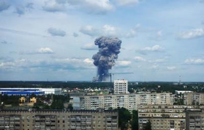 俄羅斯炸藥廠3連爆 窗碎黑煙竄天