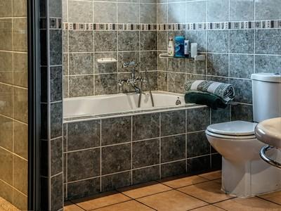 租屋處浴缸佔空間!網推:OO實用多了