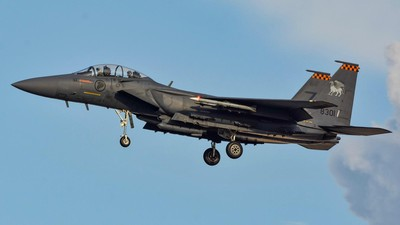 酷航接炸彈恐嚇 星F15戰機升空