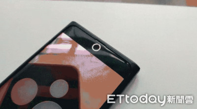 OPPO新手機鏡頭隱藏在螢幕中