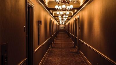 飯店客人明明已退房...樓層電源一關 房間卻傳出「轟轟」吹風機聲