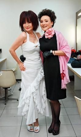 ▲2009年時陳莎莉(右)和潘迎紫為中視40週年同台,兩人神采依舊。(圖/東方IC)