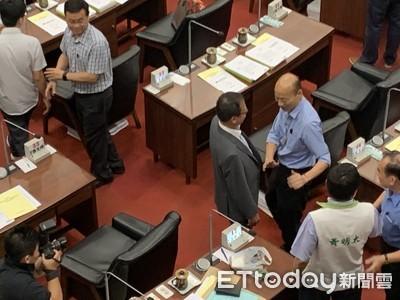 綠總召「還有機會跟你質詢嗎」 韓國瑜苦笑