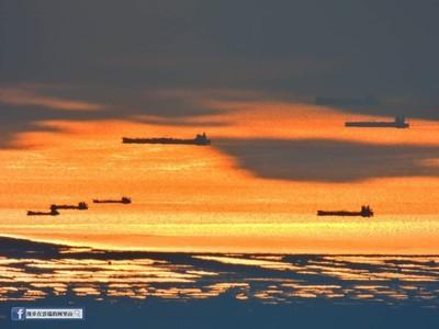 阿里山上看見台灣海峽的「無敵艦隊」