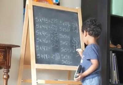 美國3歲神童 花幾秒就能解代數